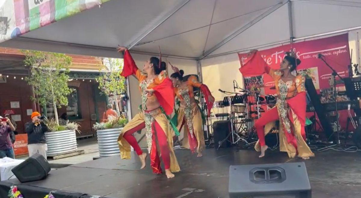 Dancers at the Sri Lankan Festival